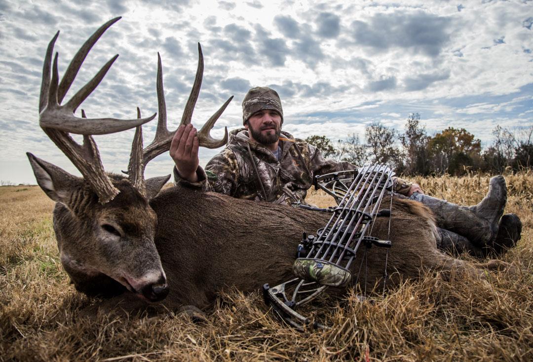 Hunting Illinois Deer » Outdoors International inside Illinois Deer Rut
