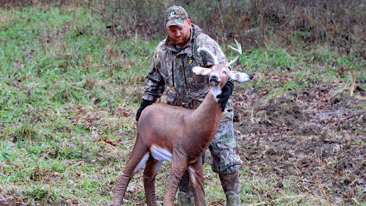 How To Position Your Deer Decoy During The Rut in Pa Deer Rut