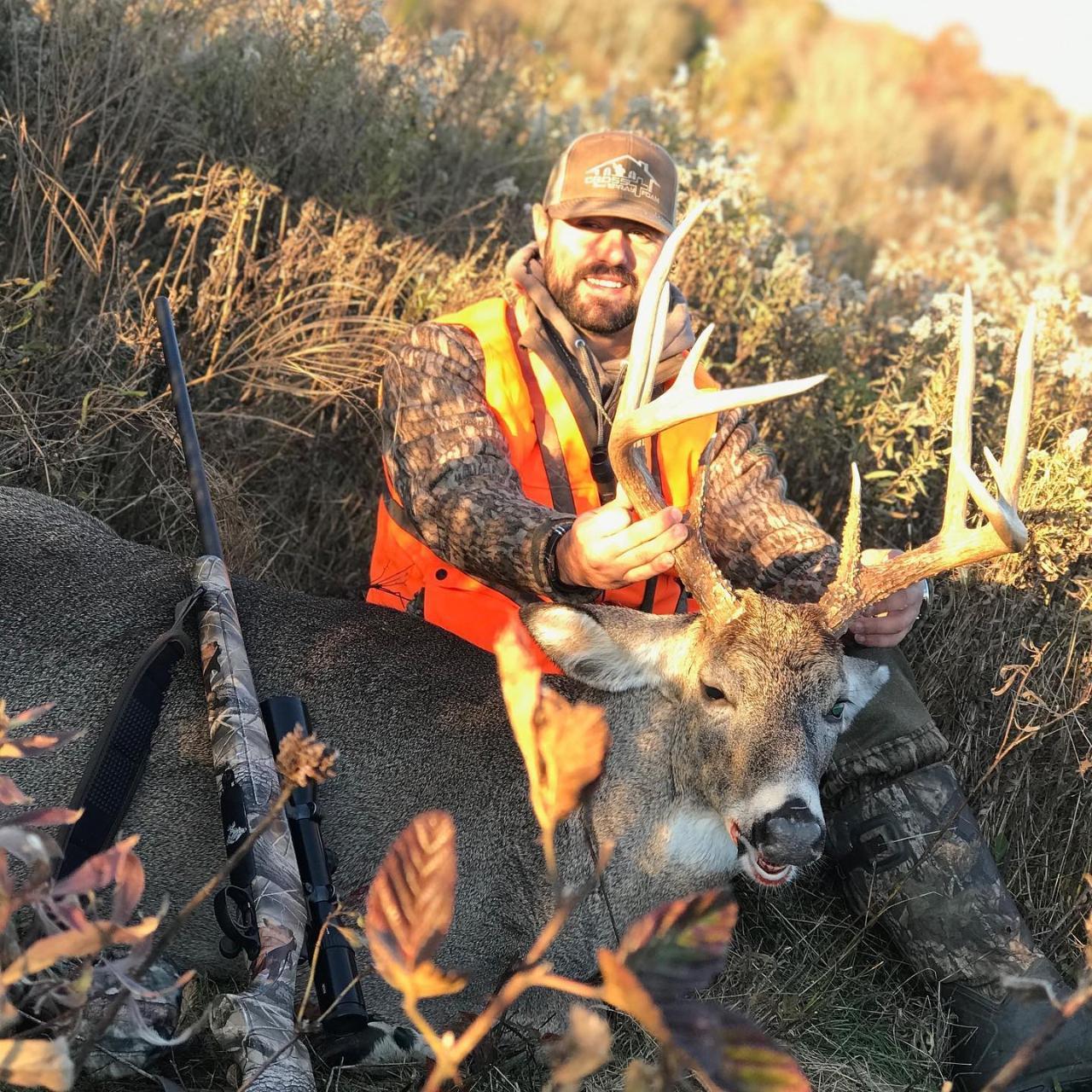 West Camp Kentucky 7 Day 8 Night Rut Bow Hunt - Whitetail in Kentucky Deer Season 2021