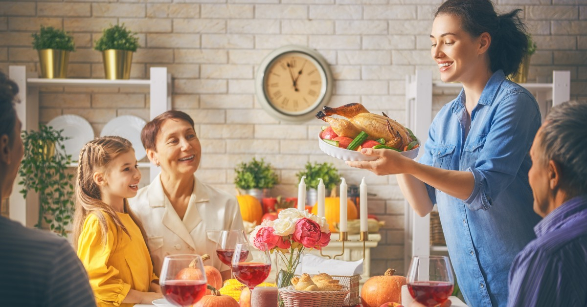 Akron Apartments: Tips For Hosting Thanksgiving In Your with Univ Of Akron Holidays