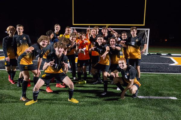 Ft. Zumwalt East High School Boys Varsity Soccer Fall 2020 within Fort Zumwalt Calendar Academic
