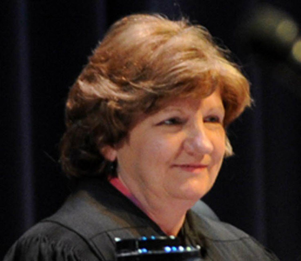 Judge, Clerk Warn Of Circuit Court Crisis In Mobile - Al regarding Lane County Circut Coirt Days