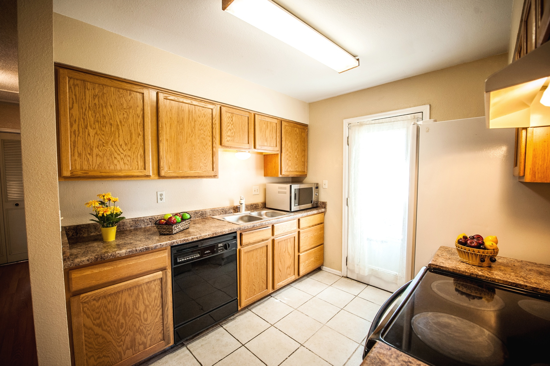 School District 20 Bi-Level   Live Dream Colorado   Sell A in District 20 Colorado Springs
